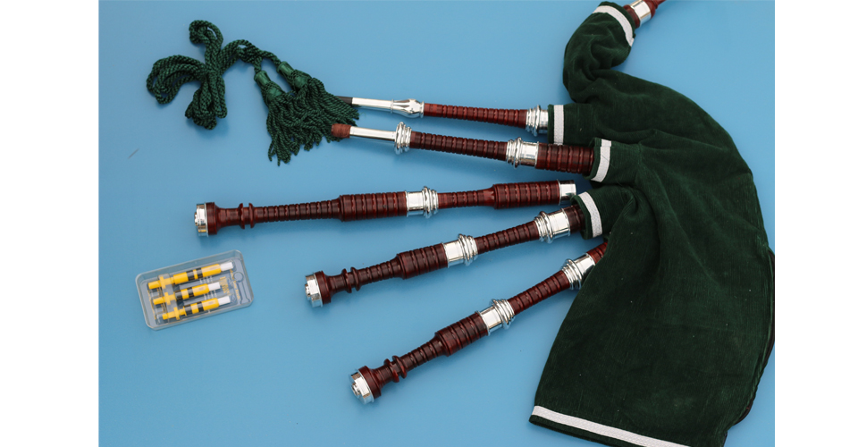 mikel-celtic-bagpipe