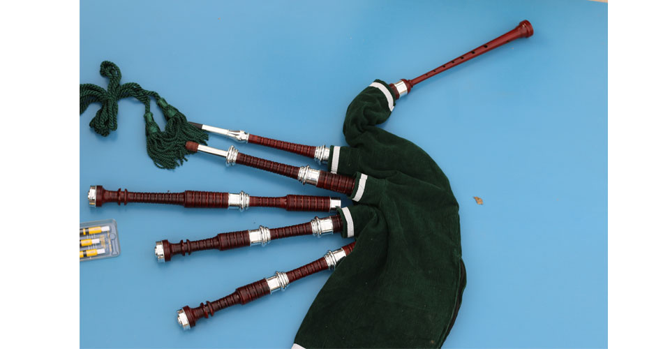 rosewood-bagpipe-with-full-